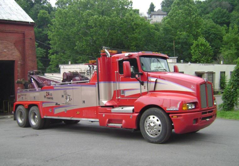 Front Right 1997 Kenworth T600 Red Tow Truck Picture